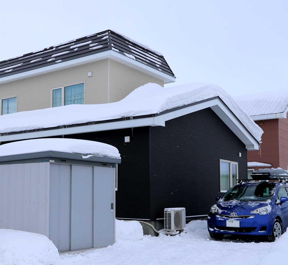写真:断熱+外壁+無落雪屋根リフォームで500万円/札幌市北区拓北S邸(1)