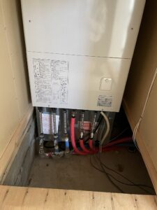 写真:暖房給湯一体型電気ボイラー(電気暖給ボイラー)の交換(3)